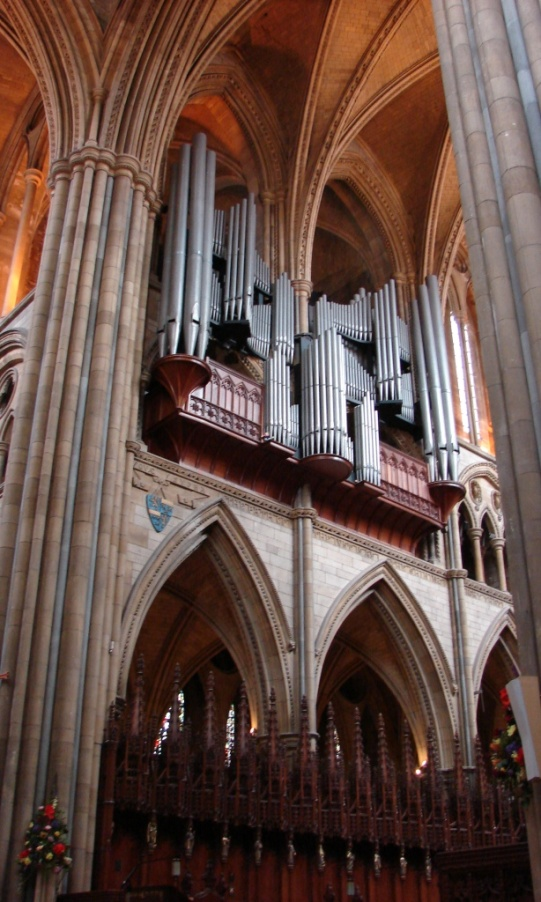 Truro cathedral organ - comp.JPG