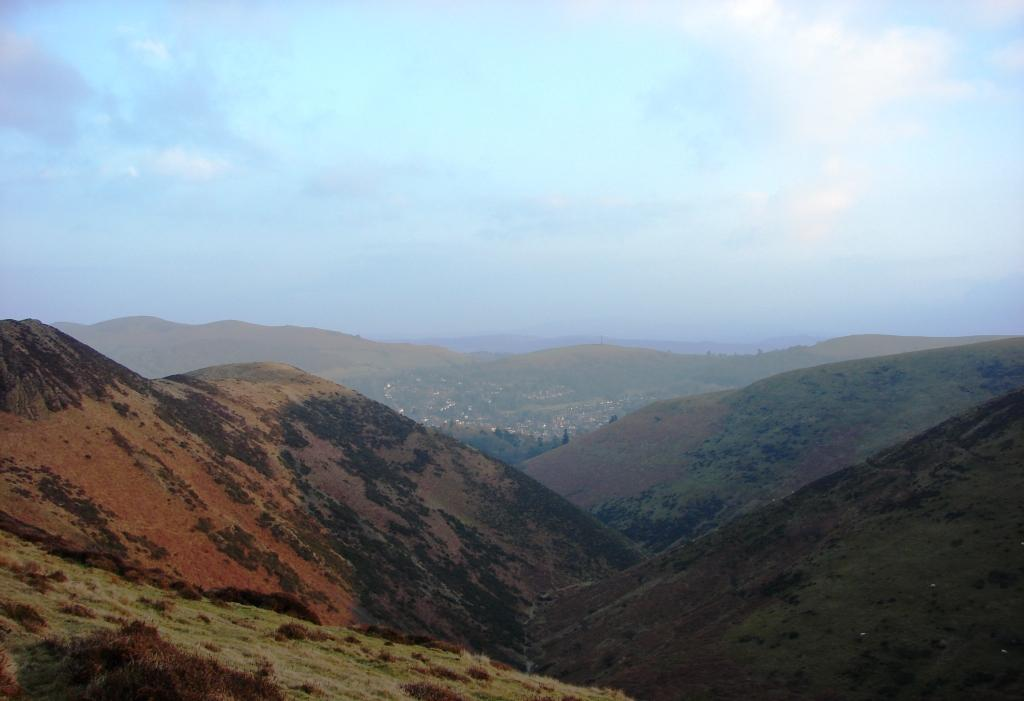 Church Stretton from Long Mynd - comp.JPG