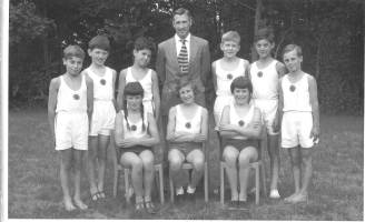 tumbling-team-c1960