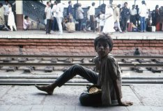 Street-station-boy-Hyderabad 1980s